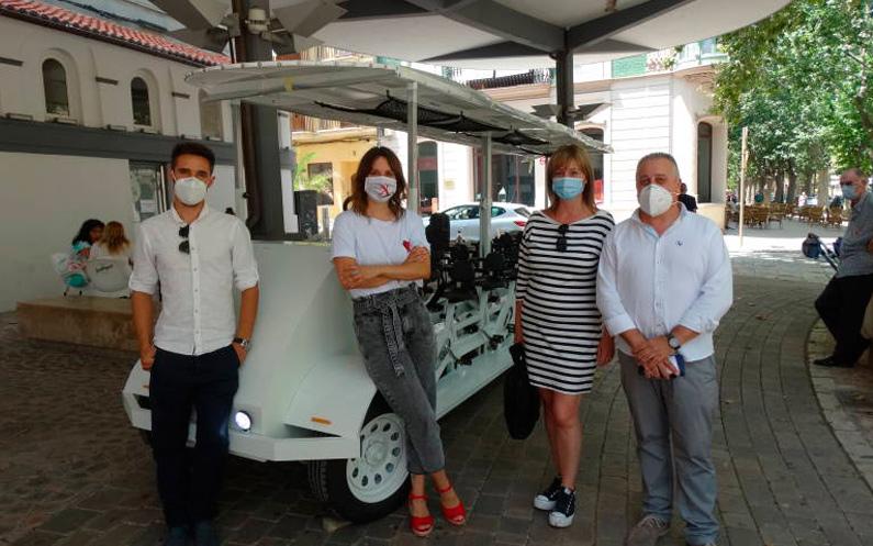 Una empresa de Xàtiva fabrica una bici-bus ecológica de récord Guiness